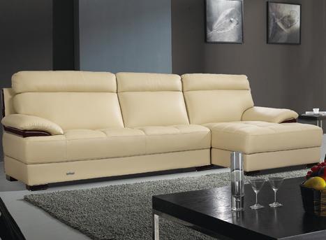 浅色胡桃木扶手配件小户型真皮沙发